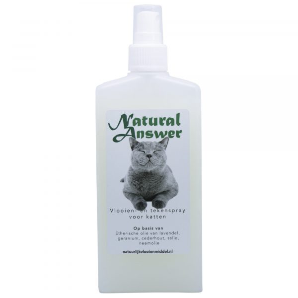 Spray op basis van etherische oliën voor katten