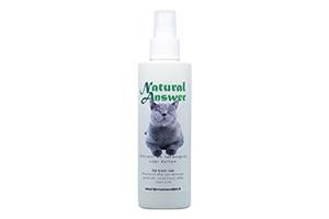 Vlooien en tekenspray voor vachtbehandelingen bij katten op basis van etherische oliën